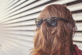 sunglasses-woman-girl-faceless-large